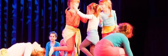 Kindertanz auf der Bühne